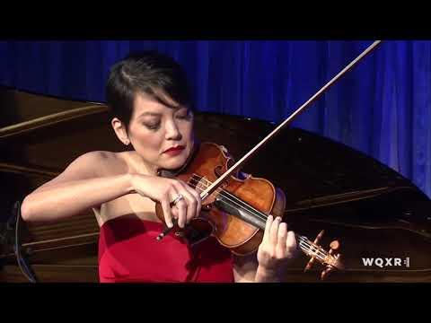 Anne Akiko Meyers performs Metamorphosis II (Philip Glass /arr. by Michael Riesman)