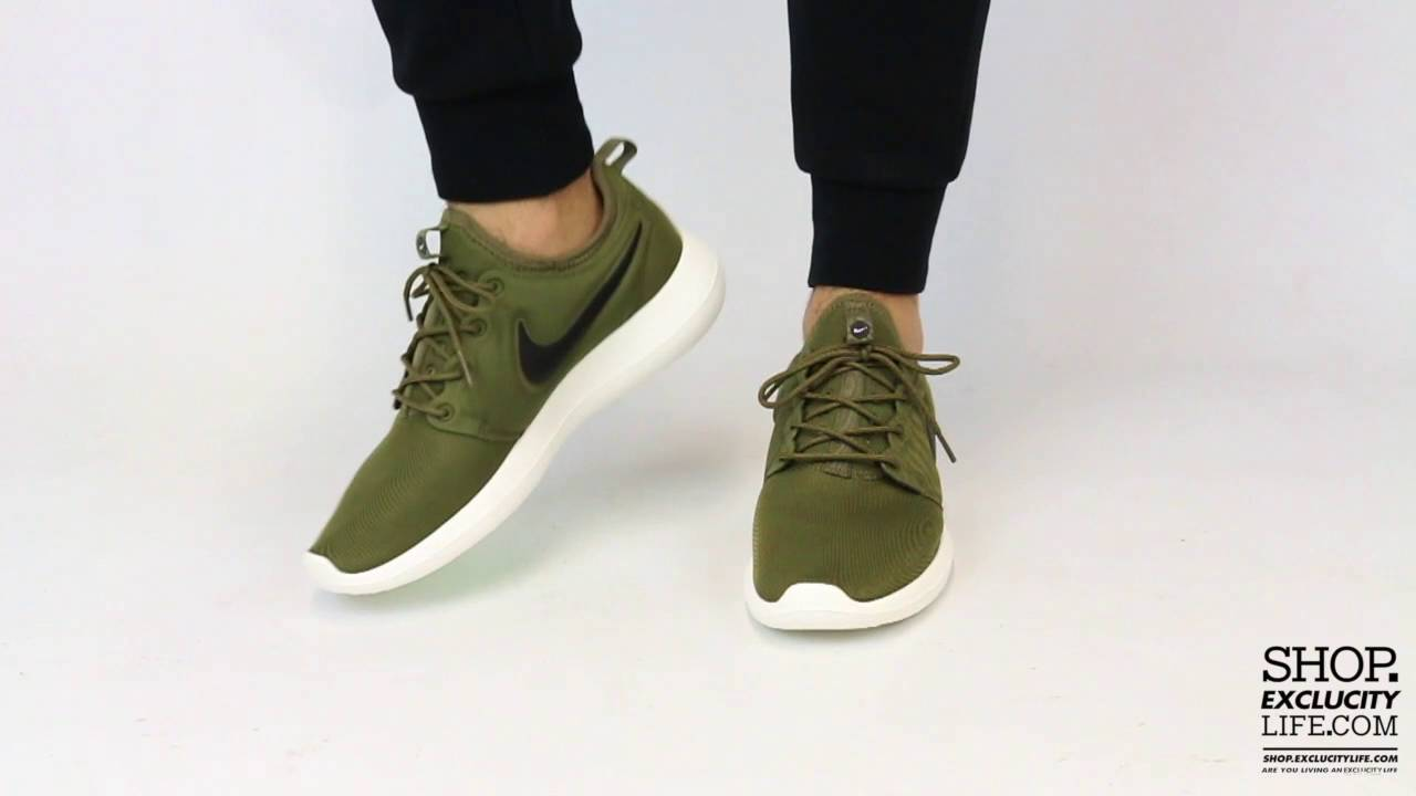 nike roshe run iguana olive green black&white flag