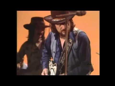 Waylon Jennings - I`m A Ramblin` Man - YouTube