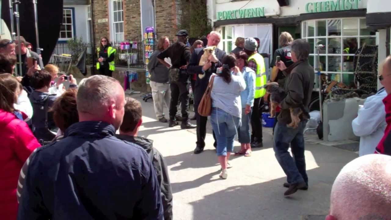 filming doc martin at port isaac cornwall for series 5. Black Bedroom Furniture Sets. Home Design Ideas