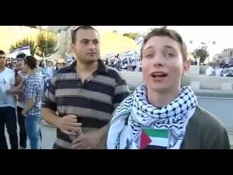 Isreali police choke American Jew with Palestinian flag