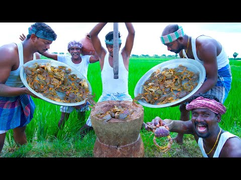 COUNTRY CRAB SOUP | Mud Crab Catching and Cooking in Agricultural land | Vayal Nandu Rasam