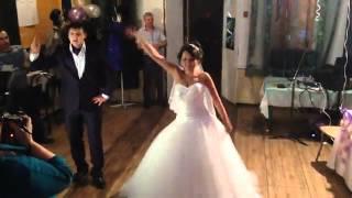 Самый прикольный свадебный танец