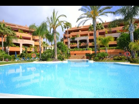 Luxury beachside penthouse in Bahia de Marbella