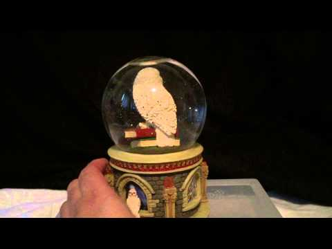 Harry Potter Owl Hedwig Musical Water (Snow) Globe working video