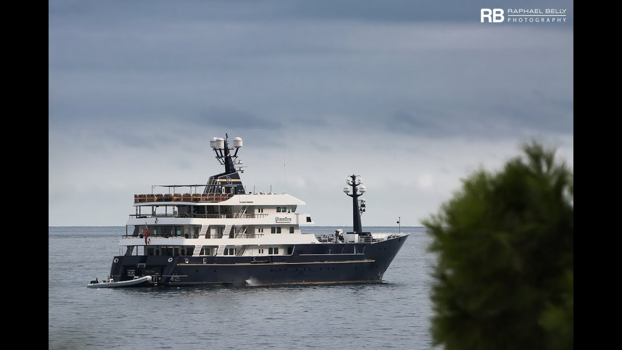 Flavio Briatore His Crazy Us 30 000 000 Yacht Force Blue Youtube