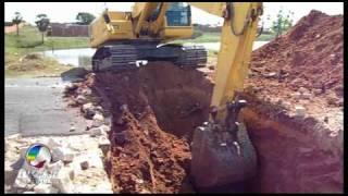 Escavadeira no Açude do IPE - BR - 405 - Apodi - ...