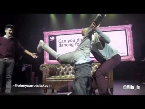 One Direction Funny Concert Moments + Lyric Changes