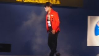 米人気歌手マイケル・ジャクソンさん(故人)の代表的ダンスで、月面を歩くように見える「ムーンウオーク」を競うイベントが3日、相模原市...