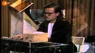 """Kraftwerk mit """"Tanzmusik"""" 1973 im ZDF-aspekte-Studio"""