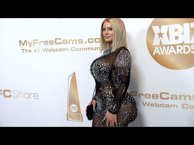 Julie Cash 2019 XBIZ Awards Red Carpet Fashion