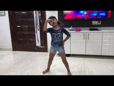 Vaishnavi Parjapati Dance at Home    DILBAR DILBAR
