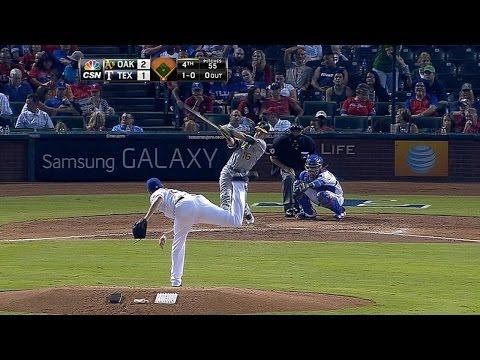 Reddick belts solo homer in the 4th