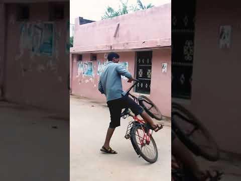 CYCLE STUNTS CYCLE WHELLING CYCLE SKILLS BICYCLE WHELLING IN LIVING TAMIL #shorts thumbnail