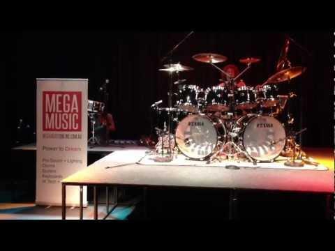 Simon Phillips MEGA MUSIC Drum Clinic! Pt3