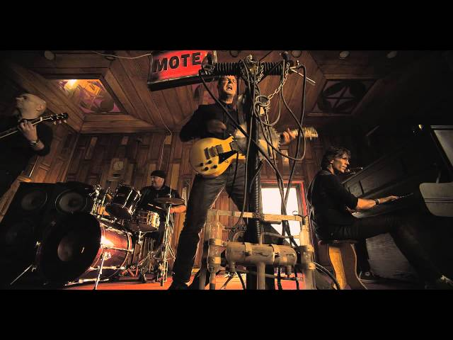 OK BAND-NASELI NA LJUBAV (Official Music Video)