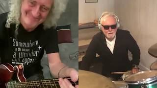 Brian May, Roger Taylor, Freddie Mercury - We Are The Champions 16/04/2020