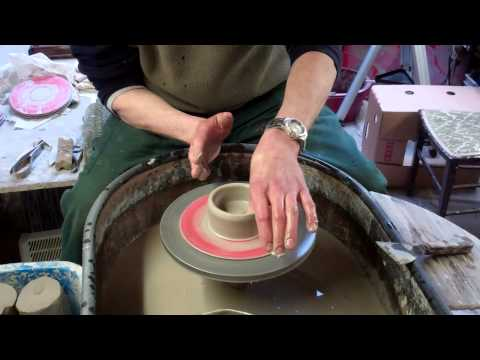 Basic Pottery Techniques 2 : Opening and lifting  the clay
