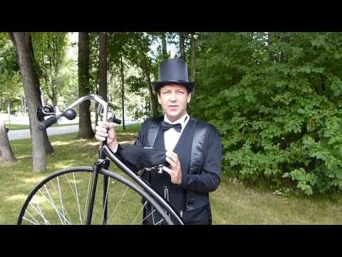 Pennyfarthing: Martin Barnes demonstrates riding techniques