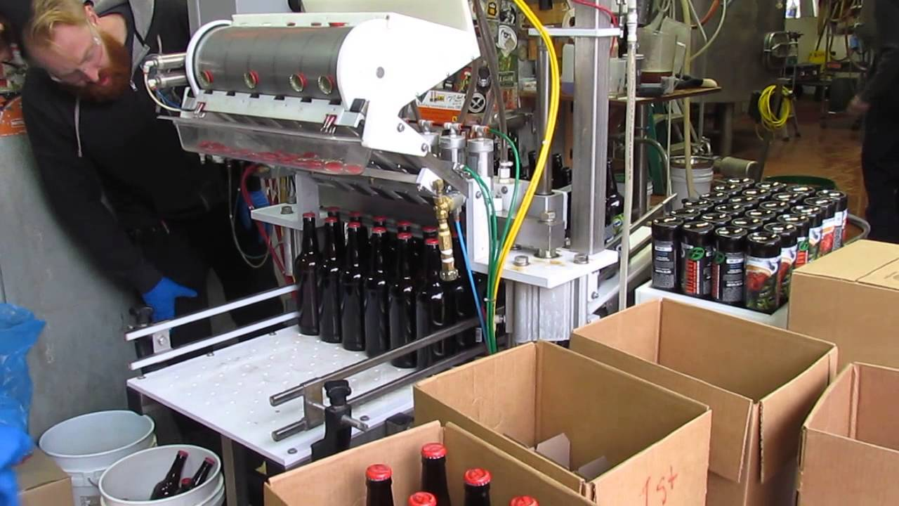 Pipeworks Brewing Bottling Machine In Action Youtube