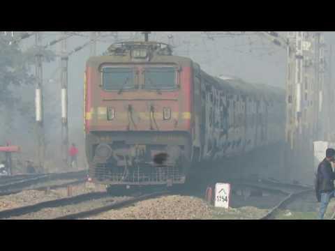 INDIAN RAILWAYS || LEGENDARY AMRAPALI EXP || ICF AT MPS