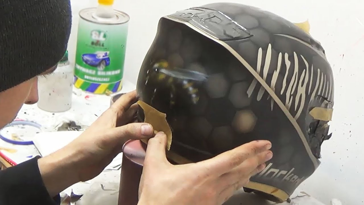 Download Bee and honeycombs painted on helmet - aerograf airbrush