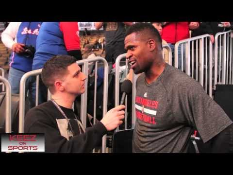 Los Angeles Clippers G/F Stephen Jackson talks kicks with Keez on Sports Travel Video