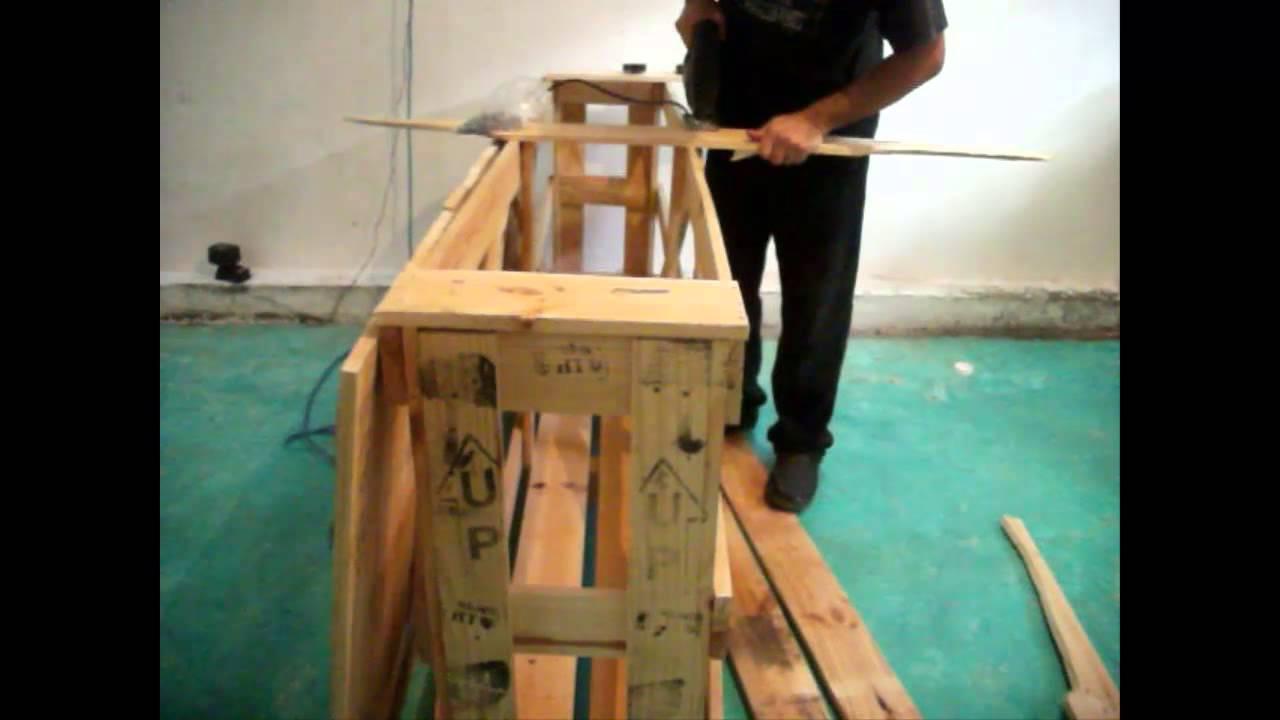 Como hacer una barra comedor con pallets youtube - Como se hace una casa de madera ...