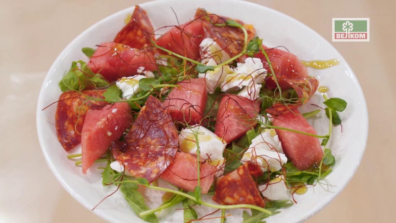 Салат с арбузом и колбасой Чоризо - YouTube