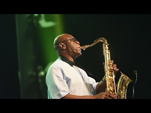 African jazz great Manu Dibango dies in France of virus