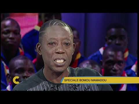 C'Midi BOMOU Mamadou fond en larmes à l'arrivée de sa tante sur le plateau
