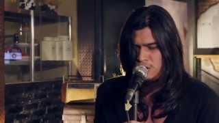 Video Virzha - Hadirmu @Friday Hot Music download MP3, 3GP, MP4, WEBM, AVI, FLV Oktober 2017