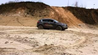 Subaru XV и KIA Sportage на песке 2012