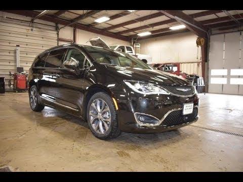 2018 Brilliant Black Chrysler Pacifica Limited Ct6408 Motor Inn Auto