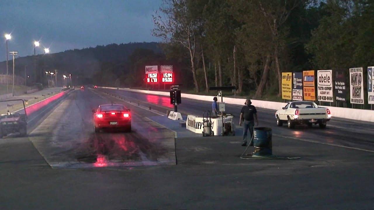 08 Charger Srt8 Vs Ford Ranchero Drag Race
