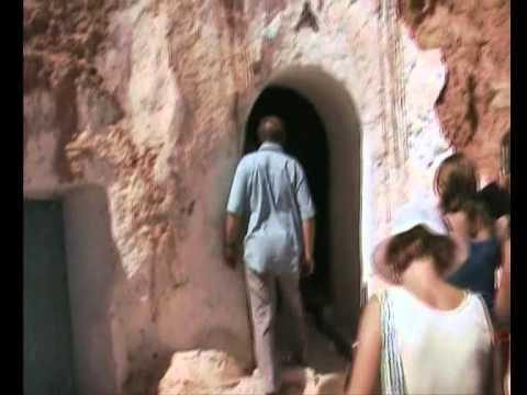 Tunisia - Case de troglodiţi