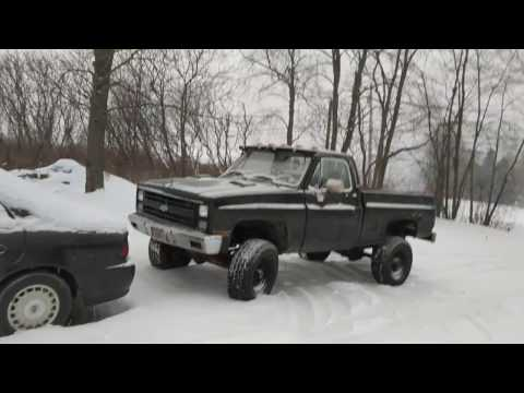Very cold start of my 86 Chevy short bed with a 454 BBC