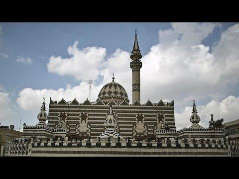 شاهد: أردنيون منقسمون حول إغلاق المساجد بسبب كورونا