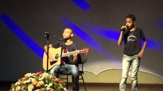Baixar Ramon e Rafael cantando no centro culturall