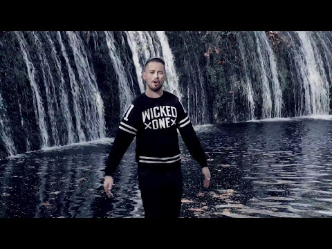 "SKUAL ""A Contre Sens"" Clip Officiel"
