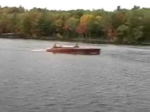 Mountainview Woodies Classic Boat Club 2009 Foliage Cruise