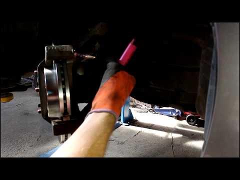 Замена передних тормозных дисков и колодок на мазда 6 2010 года Mazda 6 2,0