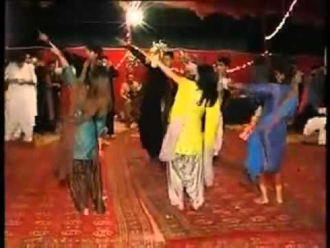 Dance In Yasir`s Marage At Ali Place Qasim Abad Hyderabad Sindh.flv