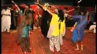 Dance In Yasir`s Marage At Ali Place Qasim Abad Hyderabad Sindh.flv