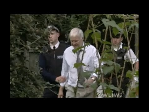 EastEnders  Derek takes the blame for Martin growing weed 18th Aug 1st Sept 2003