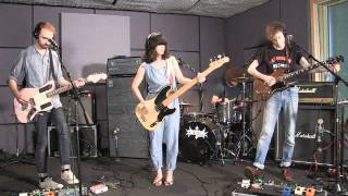 "Yuck - ""Get Away"" (Last.fm Sessions)"