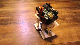 шагающий робот Arduino