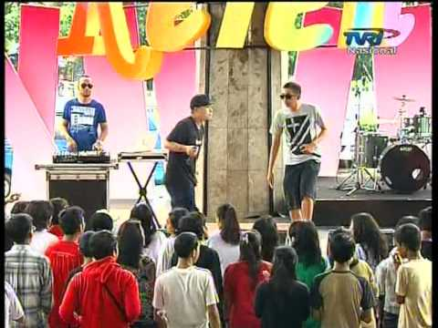 KUNGPOW CHICKENS Live At Keren (24-12-2012) Courtesy TVRI