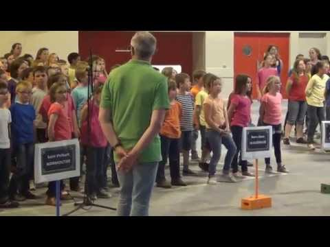 Chante danse mets tes baskets. ChanteMai 2014 - Ecole sainte Croix