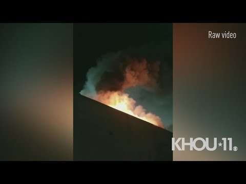 Raw: Witness Video Shows Massive Fire Consuming Restaurants And Stores In Alief | Houston, TX